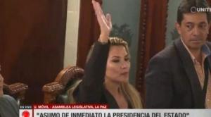 """Mesa desea """"éxito"""" a Jeanine Áñez y Evo dice que """"se consumó el golpe"""""""