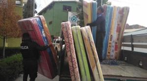 Jóvenes voluntarios recolectan fondos para afectados por los conflictos, piden más ayuda