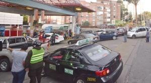 "Venden combustibles en 18 surtidores y se logró ""sacar"" solo 600 garrafas de GLP de Senkata"
