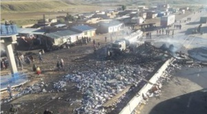 Choque de dos camiones causa incendio de proporciones en la ruta Oruro Cochabamba
