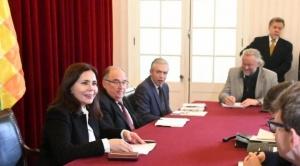La Unión Europea respalda al Gobierno de Añez y México dice que no entregará a nueve asilados