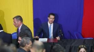 Tras el golpe del régimen de Maduro, diputados sesionaron fuera de la Asamblea y reeligieron a Guaidó como su presidente