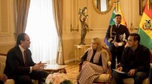 Presidenta Añez se reúne con asistente adjunto de Trump, quien ofrece toda la cooperación de su gobierno