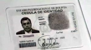Apoderada de exministro Quintana es capturada cuando pretendía cobrar dos cheques de la exautoridad
