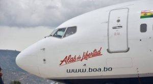 """Estatal BOA presenta tercera aeronave Boeing 737-800 bautizada como """"Alas de Libertad"""" 1"""