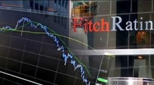 Fitch advierte que reservas internacionales ya son insuficientes para mantener tipo de cambio fijo