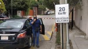 España acusa a Bolivia de hostigar y poner en riesgo a sus funcionarios en incidente con encapuchados en la Embajada mexicana