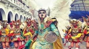 Miles de danzarines participan hoy sábado en la Gran Peregrinación al Socavón o entrada folclórica de Oruro