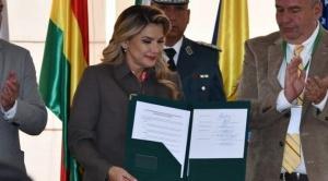 Jeanine Añez afirma que como presidenta se enfrentó y venció a los denominados erróneamente movimientos sociales