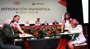 Bolivia firma octava adenda con Brasil para venta de gas por otros seis años y garantiza ingresos de $us 6.000 millones