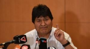 Evo Morales señala que evalúa cómo y cuándo vuelve a Bolivia