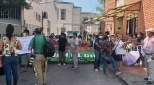 Santa Cruz: trabajadores de Hospital San Juan de Dios impiden tratamiento de paciente con coronavirus