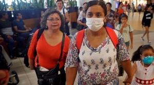 Argentina y Perú cierran sus fronteras por 15 días, y en Venezuela 7 estados ingresan en cuarentena