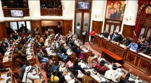 Senado aprueba proyecto de ley que permite uso de recursos públicos contra el coronavirus