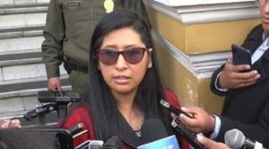Senadora Copa sostiene que se debe aplicar ley de la ALP para reprogramar créditos y la rebaja de tarifas de servicios básicos