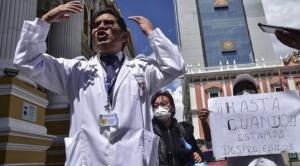 Trabajadores en salud exigen equipamiento de bioseguridad y amenazan con deja de atender a pacientes de coronavirus