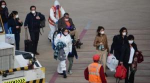 Llegan en avión 37 bolivianos de Chile y en Pisiga ampliarán campamento para más migrantes