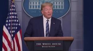 Trump suspende por 60 días otorgación de tarjetas de residencia permanente en EEUU