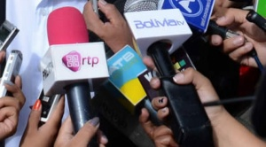 """Mediante nuevo decreto, Añez amplía castigos a quienes """"desinformen"""" sobre Covid-19"""
