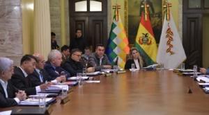 Presidenta Añez y su gabinete se reúnen para analizar cuarentena