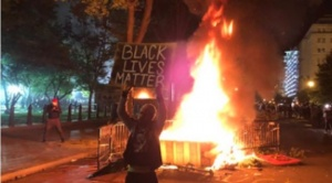 """Tras la muerte de George Floyd, por sexto día consecutivo """"los peores disturbios desde la muerte de Martin Luther King"""""""