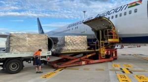 Cinco respiradores y donaciones procedentes de Europa llegaron a Bolivia