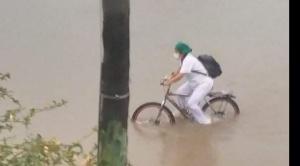 Una intensa y prolongada lluvia deja casas y calles inundadas en Santa Cruz