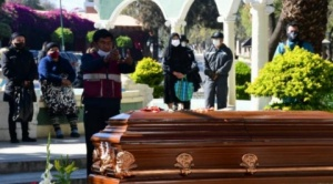 En Cochabamba habilitan entierros en suelo y nichos; funerarias ven que la solución es paliativa