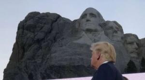 """Trump carga contra """"el nuevo fascismo de extrema izquierda"""" en la celebración del 4 de julio"""