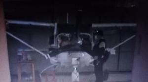 Policía halla más de 1.000 litros de jet fuel ilegal en un hangar cruceño 1
