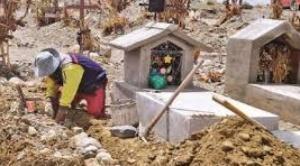 Colapsa el único cementerio de El Alto, unas 90 familias tienen cadáveres en sus casas