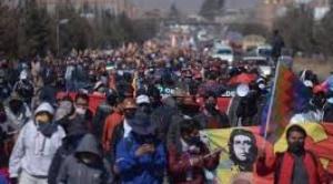 Marcha del MAS da 72 horas al TSE para que no postergue las elecciones; amenaza con bloqueo y huelga