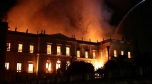Desolación en círculos culturales del mundo ante incendio en museo de Río
