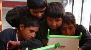 Perú compró 840.000 tabletas para sus escolares y así combatió los problemas de la pandemia