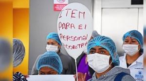 Ante el incremento de bajas del personal de salud en Cochabamba reclaman ítems, 800 tienen COVID-19