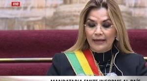 """Presidenta Añez critica a los candidatos a la presidencia y dice que crearon el """"Partido contra los bonos"""""""