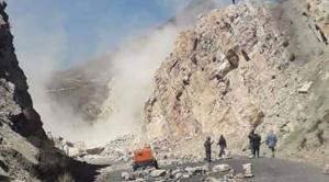Despejar el bloqueo en Sayari, donde la carretera fue dinamitada, requerirá entre 3 a 5 días