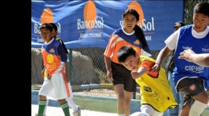 El programa de Capital Social de BancoSol innova con clases de música y fútbol virtuales