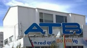 Trabajadores de ATB denuncian que la empresa les debe sueldos y beneficios sociales