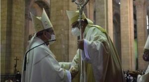 """Nuevo arzobispo de La Paz toma posesión y anuncia """"esfuerzo"""" para """"guiar al pueblo de Dios"""""""