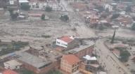 Mazamorra afectó a cinco manzanos en Tiquipaya y se pide a más familias que abandonen el lugar por amenaza de lluvias