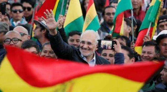 Carlos Mesa: El perfil desconocido del rival de Evo Morales