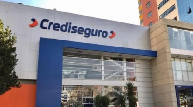 Crediseguro apoya con Bs. 25 mil a familiares de siete víctimas del coronavirus en el sector salud